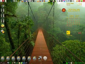 Slacko 6.3.2 uefi 32 bit Csipesz Verzió